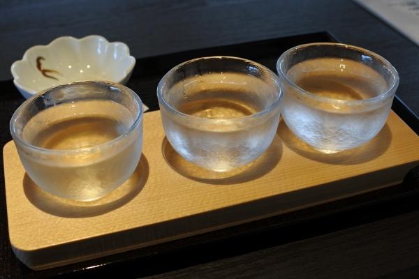 五豊美で日本酒飲み比べの画像